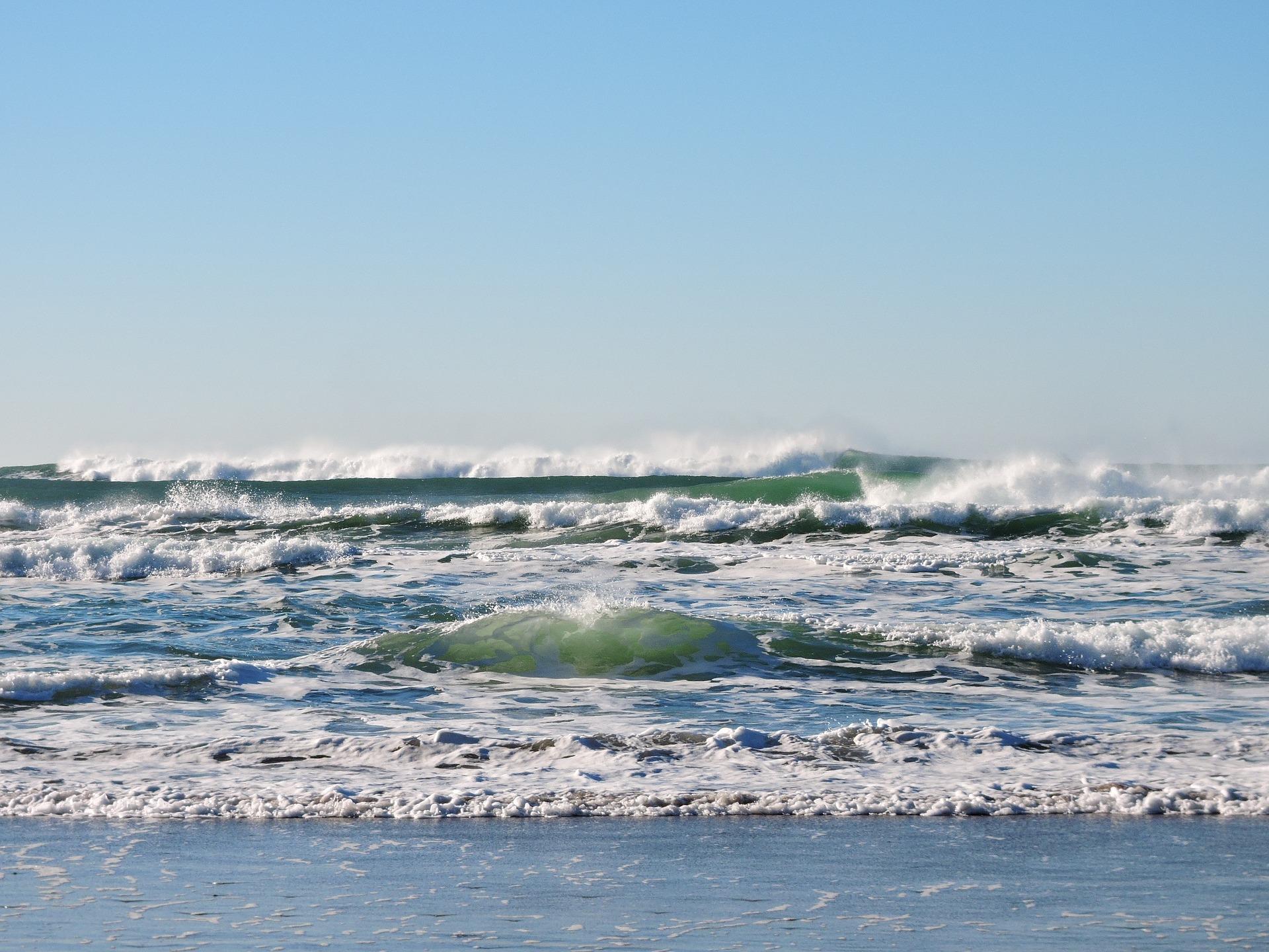 beach-1204401_1920